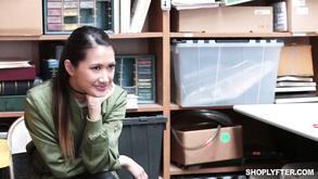 Порно видео с тегами «Брюнетки, Молоденькие, Молодые, Восемнадцатилетние»