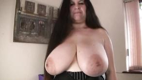 Порно видео с тегами «Анал, Толстые, Большие сиськи, Межрассовый секс»
