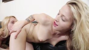 Порно видео с тегами «Красотки, Блондинки, Лесбиянки, Сексуальные»