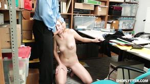 Порно видео с тегами «Красотки, Минет, Жесткий секс, Оральный секс»