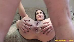 Порно видео с тегами «Подделка, Кастинг, Брюнетки, Большие члены»