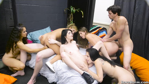 Порно видео с тегами «Любительское, Красотки, Минет, Коледж»