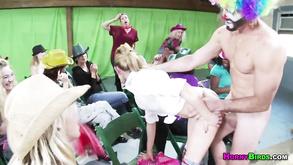 Порно видео с тегами «Горячее, Любительское, Красотки, Минет»